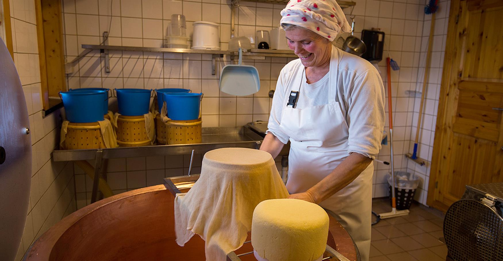 Cheese making on the local summer mountain farm Strandmo Stølsysteri.