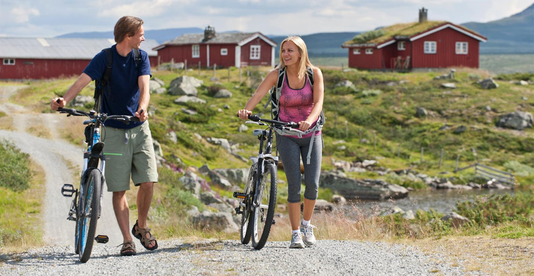 The cycling route Mjølkevegen was voted one of Norway's most beautiful. It mostly runs through Valdres' high mountain areas.