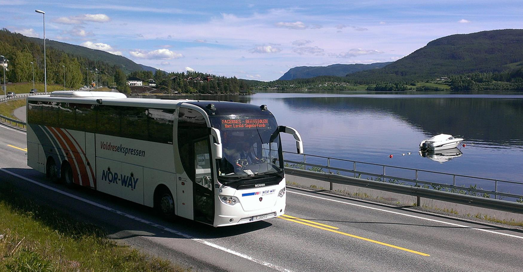 JVB operates the express coach service between Oslo and Valdres.