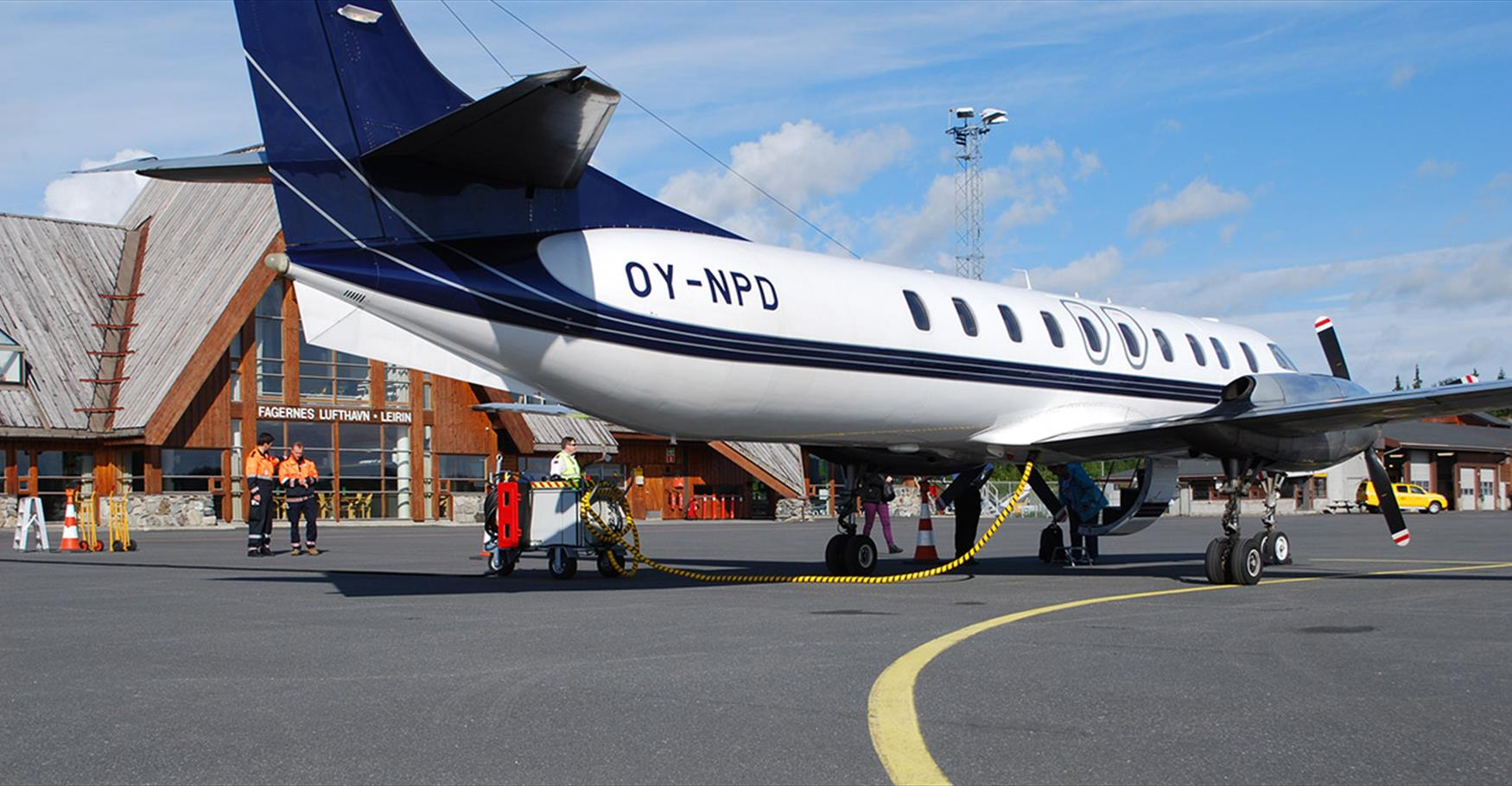 Air Norway operates sceduled flights from Oslo to Fagernes.