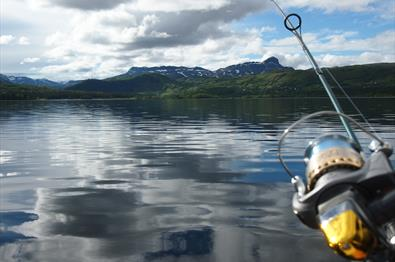 Boat rental and fishing license at Lake Øyangen