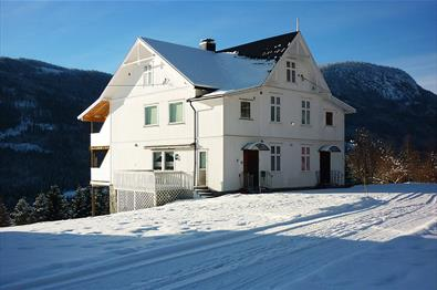 Vinter at Rustebakke Gård