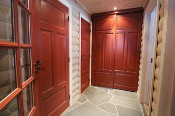 Solheim Trevare: wooden interior, doors and windows